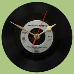 herman-hermits---i'm-into-something-good--vinyl-record-clock-1964
