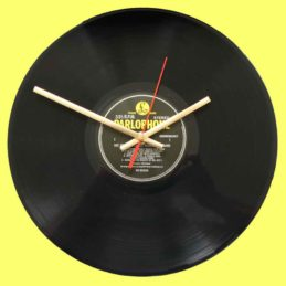 the-beatles-ssgt-peppers-lonely-hearts-club-band--vinyl-record-clock-1967