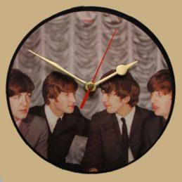 the-beatles-i-want-to-hold-your-hand--vinyl-record-clock-63-